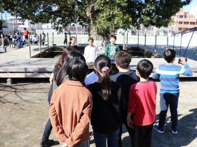 世田谷区立桜小学校で出張授業を行いました。